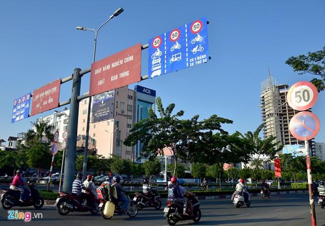 Hàng loạt biển báo giao thông bất hợp lý ở Sài Gòn 34