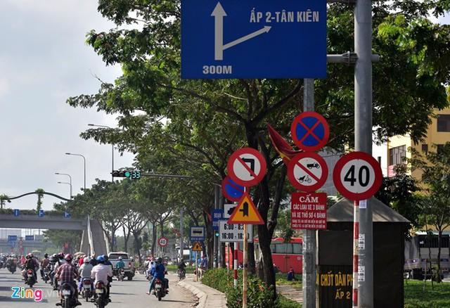 Hàng loạt biển báo giao thông bất hợp lý ở Sài Gòn 35