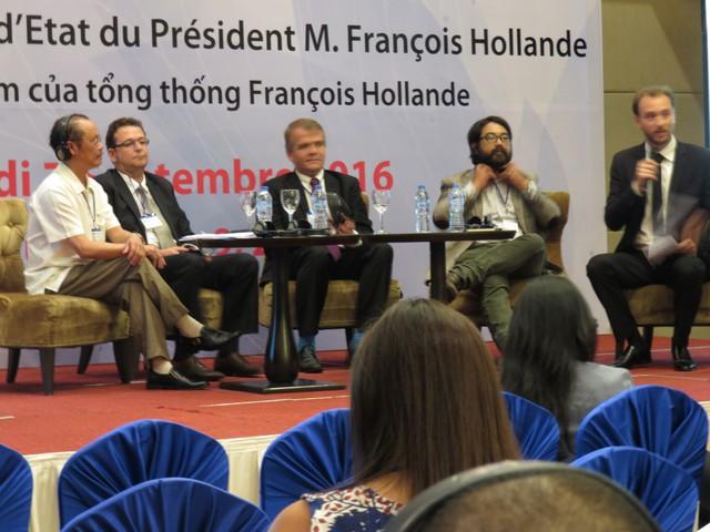 Ông Samuel Maruta (thứ 2 từ phải qua trái) tại Diễn đàn doanh nghiệp Việt - Pháp.