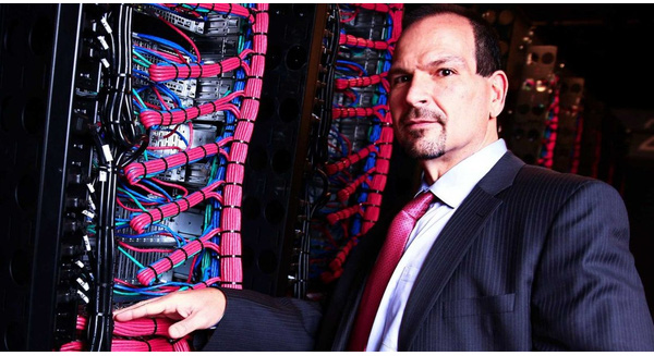Từng bán công ty cho IBM với giá 2 tỷ USD, người đàn ông này đang xây dựng đế chế Startup mới
