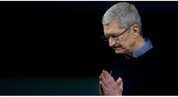 Ông Cook ạ, nặn mãi mới ra iPhone 7 thiết kế 3 năm như 1, ông thấy có lỗi với Steve Jobs không?