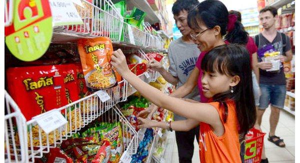 """Kết quả hình ảnh cho Văn hóa siêu thị ở Việt Nam qua con mắt của bà mẹ Việt 2 con: """"Đi siêu thị, ghét nhất là…"""""""