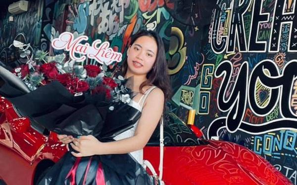 Chân dung cô gái trẻ vừa sắm Ferrari F8 Tributo tại Việt Nam: Từng sở hữu 2 chiếc Mercedes bạc tỷ, sắm cả biệt phủ cho bố mẹ