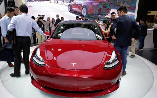 """""""Ngoan"""" như Tesla còn bị """"dạy bảo cho tới bến"""" tại Trung Quốc"""
