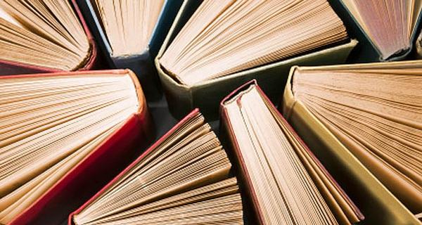 24 cuốn sách này sẽ giúp bạn trở thành một người thông minh mà bạn hằng ao ước