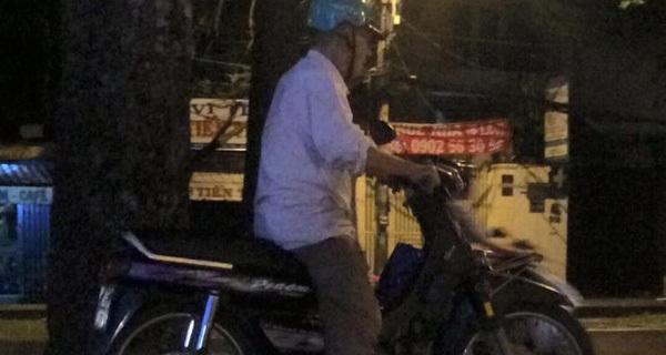 Câu chuyện buồn thời công nghệ: Bác tài xế già cả ngày không chạy được một cuốc xe ôm...