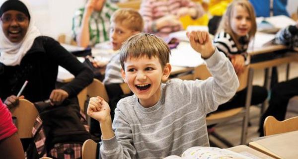 Đi học không phải đóng tiền còn được ăn trưa, sách vở miễn phí, bảo sao giáo dục Phần Lan khác biệt