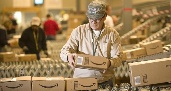 Thay vì chăm chăm mua trên Amazon, vì sao người Việt không mang hàng lên đây bán?
