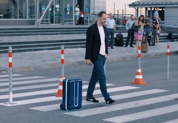 Vali tự hành thông minh cho tín đồ cuồng du lịch
