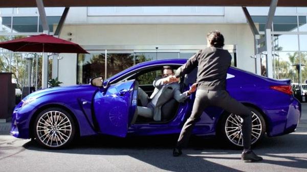 Ghế dính chặt lưng người lái: Công nghệ mới hay trò đùa Cá tháng 4 của Lexus?