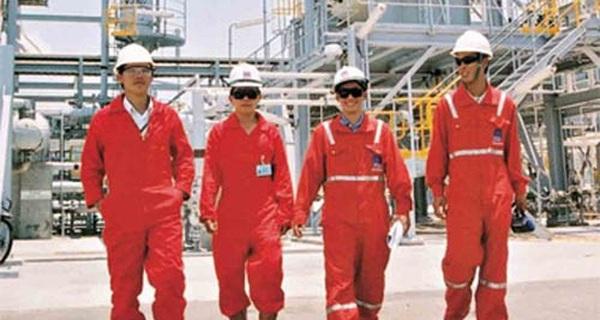 Mặc giá dầu lao dốc, một doanh nghiệp dầu khí vẫn trả lương nhân viên cao gấp 6 lần ngành khác