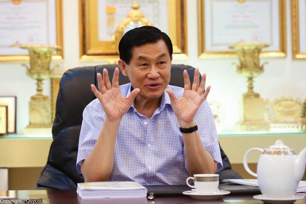 'Vua hàng hiệu' Johnathan Hạnh Nguyễn: Tràng Tiền là bức tranh thiếu giấy của tôi