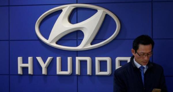 """Hyundai """"thắt lưng buộc bụng"""": Các sếp cũng phải bay hạng phổ thông, ở khách sạn bình dân"""