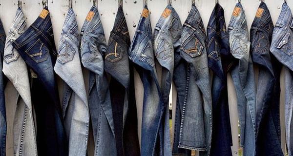 """Cửa hàng ế ẩm, anh chàng bán đồ jean đã nghĩ ra cách tặng quà khuyến mại để vừa hút khách, vừa không """"ăn"""" lẹm vào lãi, ai bán hàng cũng nên thử áp dụng!"""