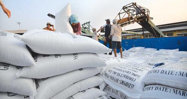 Xuất khẩu gạo quý 1 tăng trên 40% cả về khối lượng và giá trị