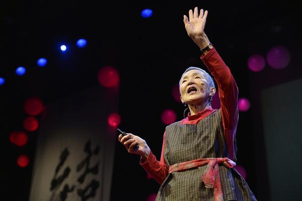 Triết lý sống của cụ bà người Nhật: 81 tuổi vẫn miệt mài học viết code, ra mắt ứng dụng cho iPhone khiến nhiều người trẻ phải hổ thẹn
