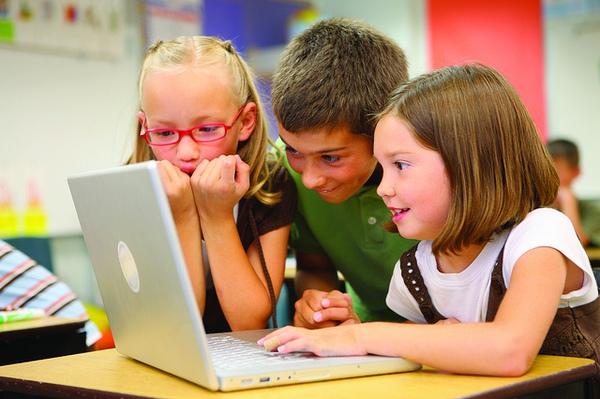 Quên Toán, Lý, Hóa...đi, đây là 7 thứ phụ huynh nên cho con học để chúng thành công trong tương lai