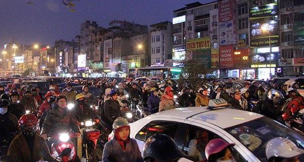 Cả Hà Nội làm việc online sẽ đỡ tắc đường