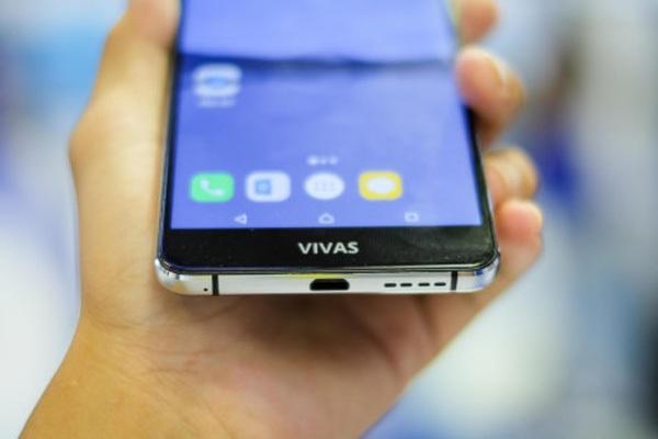 Hóa ra thiết kế Bphone 2017 lại giống hệt một chiếc smartphone Việt khác giá 4 triệu, nhìn hình ảnh này là rõ