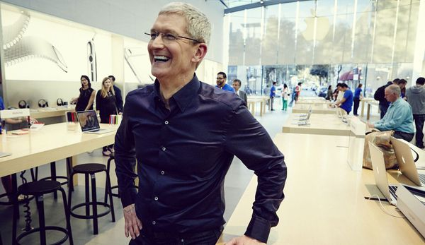Vì sao cổ phiếu Apple vừa chạm mức cao chưa từng có trong lịch sử?