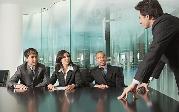 Sếp bắn tiếng Anh: Chiêu thị uy quen thuộc trước nhân viên và đặc biệt là đội sales