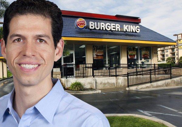 Không ngại cọ toilet hay lau sàn bếp, vị CEO 30 tuổi này đã trở thành vị cứu tinh của Burger King, sắp vượt mặt McDonald's