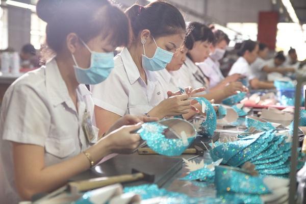 Biti's kết hợp Disney – Khởi đầu chinh phục trái tim Việt