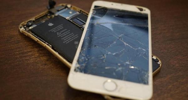 """Những ca sửa iPhone khó đỡ nhất quả đất, tưởng trở thành đống sắt vụn lại hóa """"lung linh"""" dưới bàn tay thợ chuyên nghiệp"""