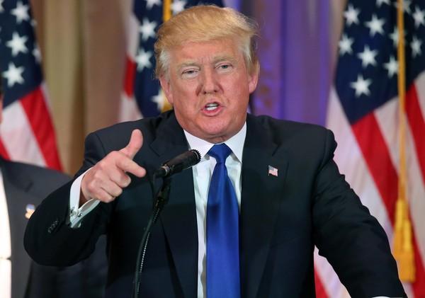 Donald Trump: Mấy công ty dược là những kẻ giết người!