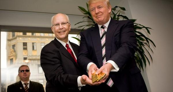 Người Việt Nam mê mua vàng về cất vào tủ, trong khi quốc gia này đang cố bán vàng nhưng dân chẳng thèm mua