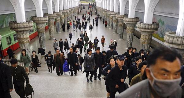 Trải nghiệm tàu điện ngầm ở quốc gia bí ẩn nhất thế giới Triều Tiên