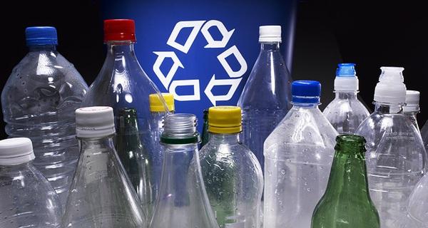 Những chiếc chai nhựa đang đưa loài người từ bàn ăn ra nghĩa địa thế nào?