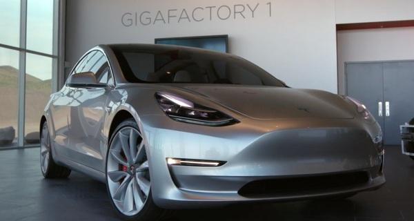 Ngược đời đi làm sedan khi thị trường bán chạy dòng SUV, Tesla và Elon Musk có thể sẽ phải trả giá đắt vì mẫu xe này