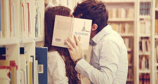 Đàn ông hôn vợ vào buổi sáng sẽ sống lâu hơn trung bình 5 năm và cũng kiếm được nhiều tiền hơn
