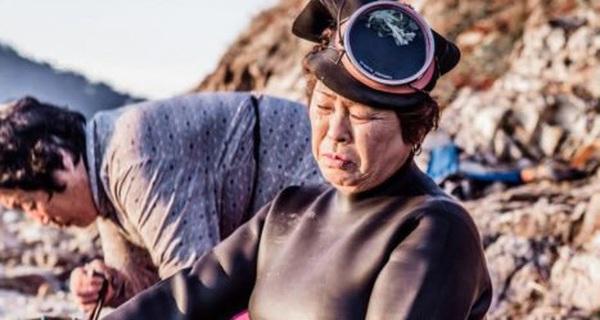 Làm việc của người chết trên đất người sống ở Jeju, Hàn Quốc