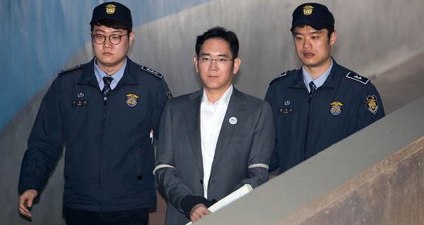 Cuộc trò chuyện 5 phút với bà Park đẩy Thái tử Samsung vào vòng lao lý