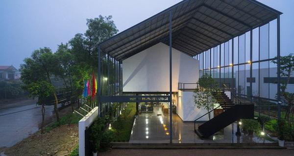 Báo ngoại ngỡ ngàng trước ngôi nhà mái đôi độc, lạ ở Nghệ An