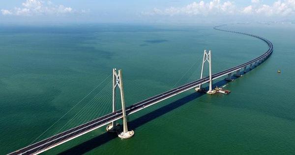 Trung Quốc hoàn thành phần chính của cầu vượt biển dài nhất thế giới, ước tính sử dụng lượng thép đủ xây 60 tháp Eiffel
