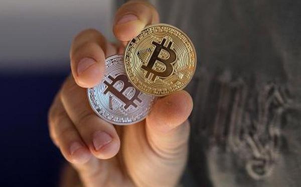 CEO ngân hàng quyền lực nhất thế giới vừa cảnh báo bitcoin chỉ là một trò lừa đảo, bitcoin rơi luôn 2,7%