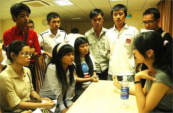 Trưởng phòng tại Việt Nam nhận lương 100 triệu đồng/tháng