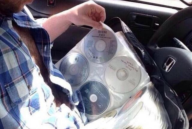 Sang hơn cũng chỉ là mua đĩa về nghe nhạc, thay vì số hóa hoàn toàn như hiện nay...