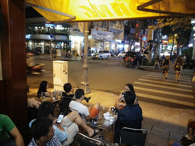 Cafe Vy trên đường Lê Thánh Tôn, quận 1. Ảnh: Tân Bá Dương