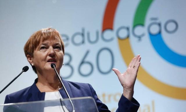 Bà Marjo Kyllonen cho rằng phương pháp giáo dục truyền thống không còn phù hợp ở thế kỉ 21.
