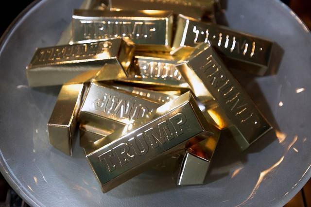 Tỷ phú Trump nổi tiếng ưa thích vàng