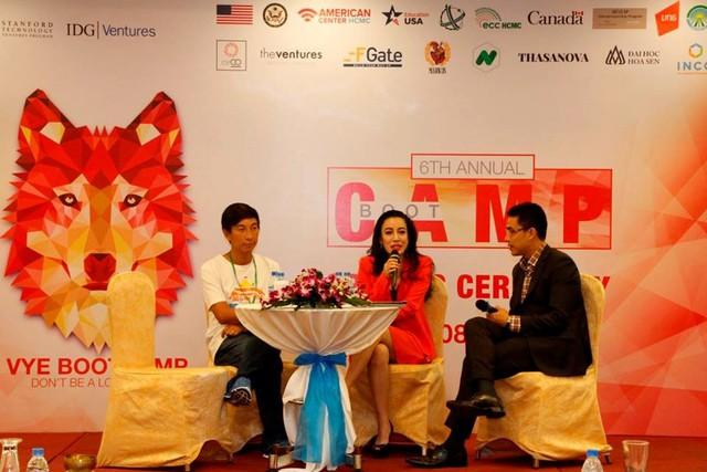 Anh Nguyễn Hoành Tiến (VNG) tại chương trình Viet Youth Entrepreneurs BoothCamp.
