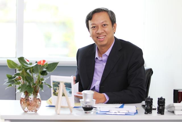 Ông Phạm Đình Nguyên chia sẻ cùng CafeBiz. Ảnh: NT.