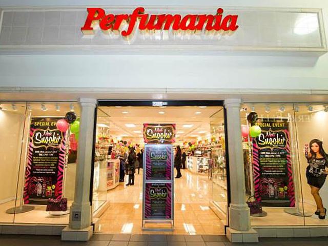 Perfumania cắt quan hệ làm ăn với ông Trump từ tháng 7/2015, gần đây công ty nhập lại nước hoa của Donald Trump, như mùi Empire by Trump và Success by Trump. Công ty cũng bán nước hoa của Ivanka Trump