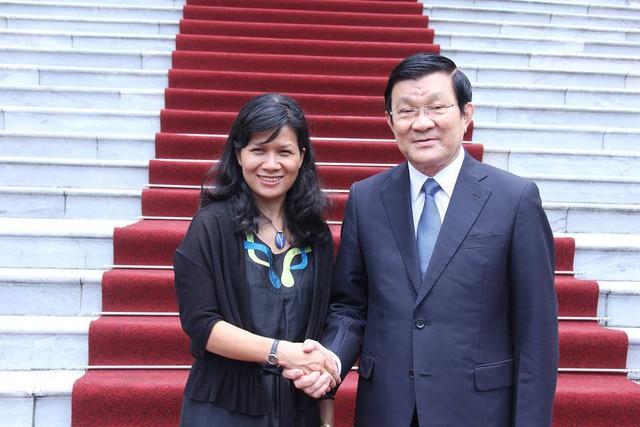 Tác giả trong một cuộc gặp gỡ với nguyên Chủ tịch nước Trương Tấn Sang