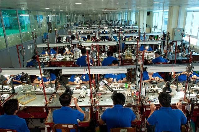 Một góc xưởng sản xuất của PNJ.
