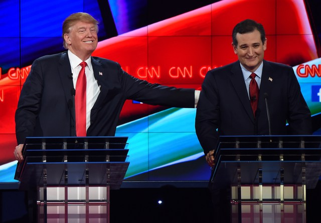 Ông Donald Trump và ông Ted Cruz